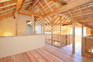 木と漆喰の家_写真10