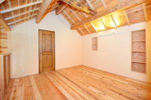 木と漆喰の家_写真11